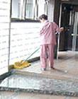 エントランス掃除